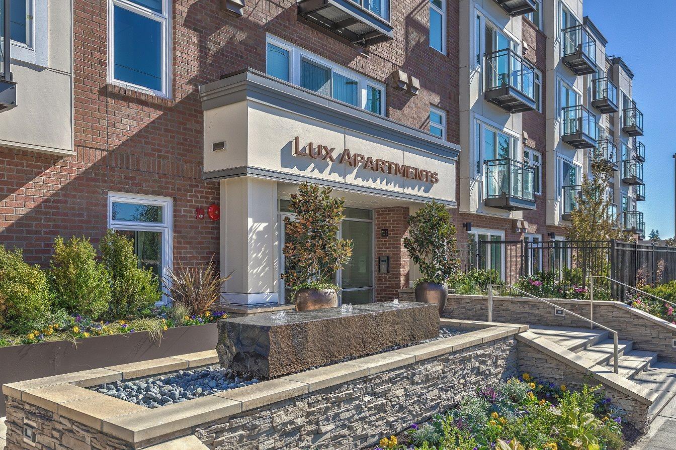 Lux Apartments - Bellevue, WA